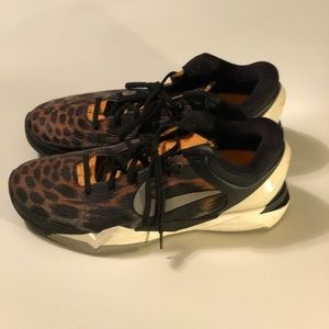 Nike Kobe 7's cheetah size 12